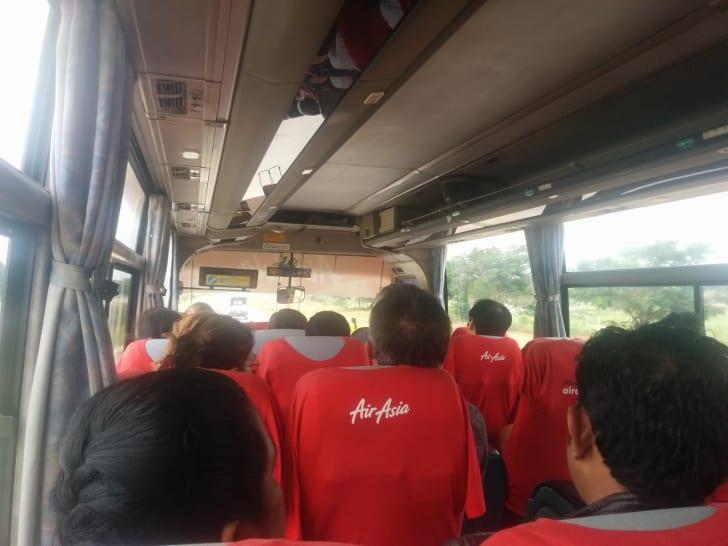 マンダレー空港にはエアアジアの無料シャトルバスで行ける