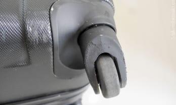 スーツケースのキャスター修理がMr.BagFix 400バーツ