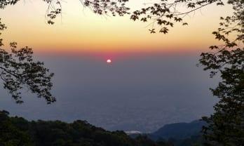 ドイ・ステープからドイ・プイ ハイキング Doi Suthep to Doi Pui Hiking