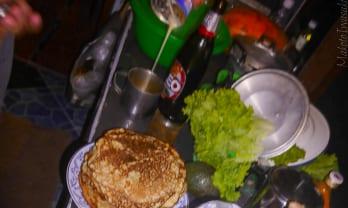ロシアのホットケーキ、ブリヌイ  Блины blini を食べる