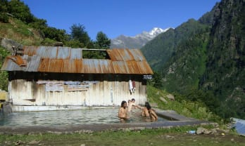 Khir Ganga Hot Springs キルガンガ温泉  India