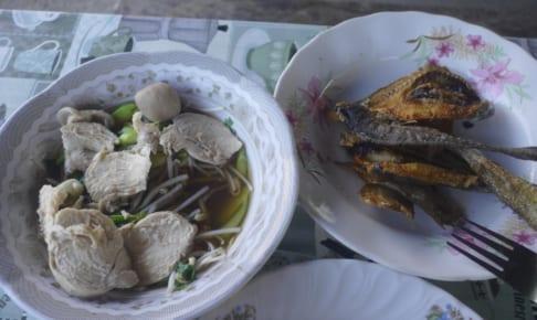 魚フライとご飯にしてもらう