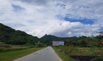 Laocai から Bac Ha へミニバスで6万ドン