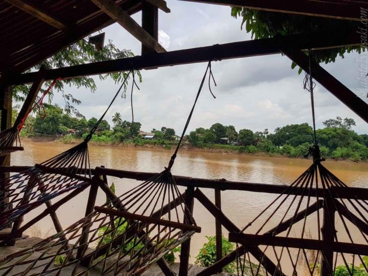 Pakse パクセの メコン河畔 Khaemse ゲストハウス