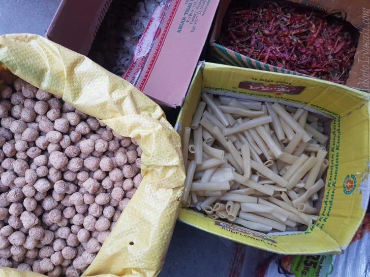 ネパールのからし菜とパスタ