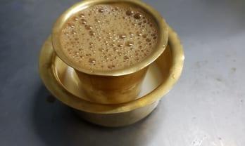 アルナチャラ山 Tiruvannamalai のコーヒー茶屋