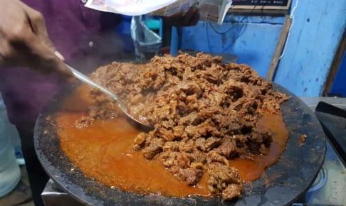 ヒンドで牛肉を食べるにはイスラム教区で