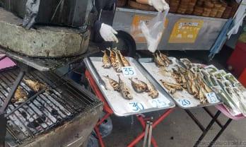 チェンライの市場には食べたいものがたくさんあって安い