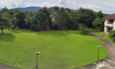バンドゥ温泉の大邸宅:チェンライ