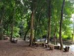 サイガム温泉は透明度抜群のぬる川湯