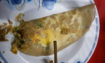 タチレク・パゴダのお好み焼き屋