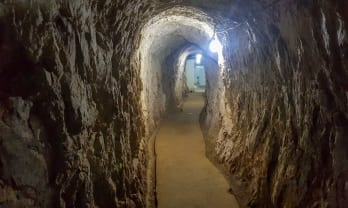 ビエンサイ洞窟: パテートラオ共産國家発祥地
