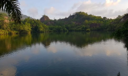 Ranong Canyon は綺麗な湖